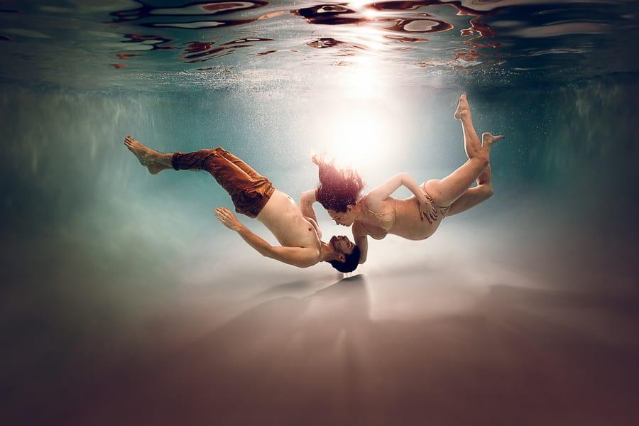 photo grossesse sous l'eau